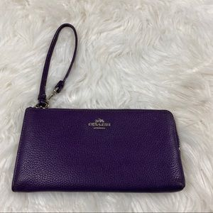 COACH Pebbled Leather Wristlet Wallet